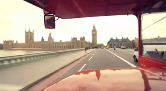 One Direction – crossing Westminster Bridge in London